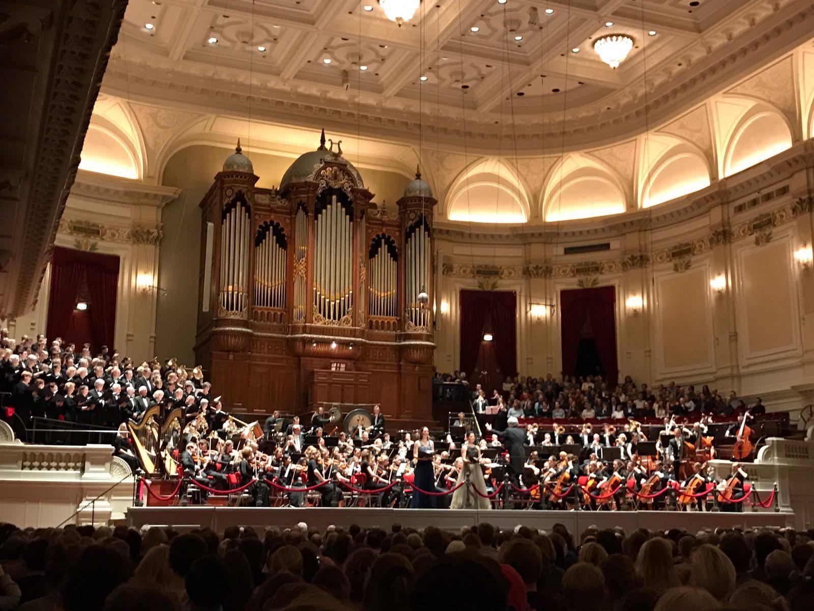 Mahler in Concertgebouw Amsterdam - Crea Orchestra & Students Choir Amsterdam, Charlotte Houberg - soprano
